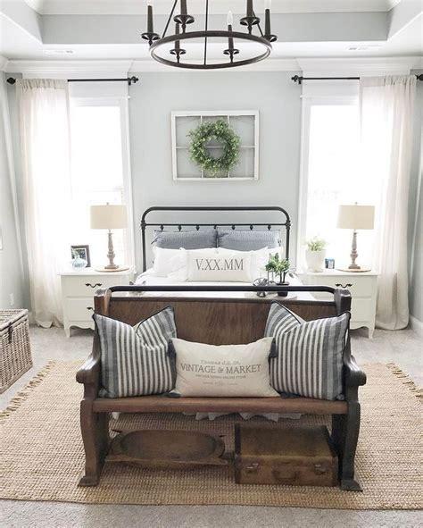 in bedroom decor 60 comfortable guest bedroom decor ideas 51