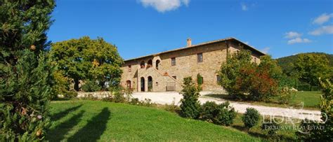 casas en italia casa de co en venta en siena toscana italia lionard