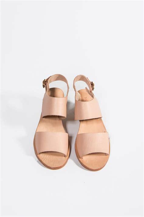 Sandal Fashion Tulip Fse058 Tulip Block Heel Sandal W A N T N E E D Flats Minimal Fashion And Flower