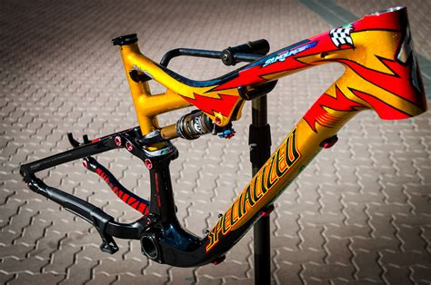 Helm Trail Cross Former Edition Cargloss limited edition specialized troy designs stumpjumper expert carbon evo look