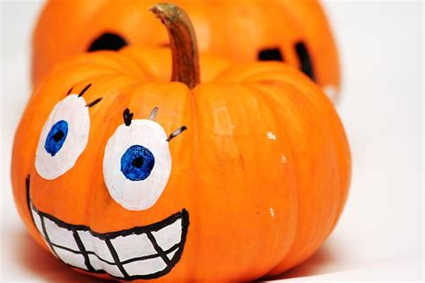 Pumpkin Decorating For Toddlers by 10 Kid Friendly Pumpkin Decorating Ideas