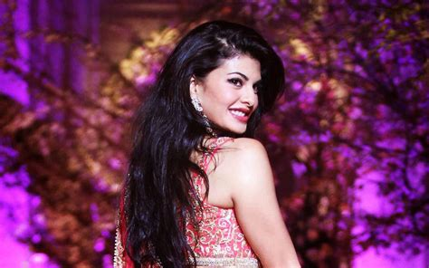 lovely movie heroine photos download lovely hd wallpapers of jacqueline fernandez bollywood