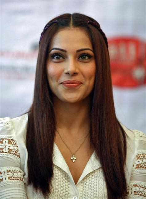 how bipasha basu copes with insecurity in bollywoo