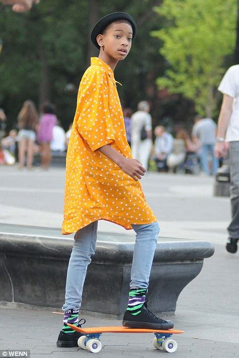 Willow Smith Wardrobe - willow smith goes skateboarding in new york wearing funky