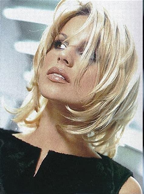 Id 233 E Coupe De Cheveux Femme Mi Long Differentes Coupes De Cheveux Femme