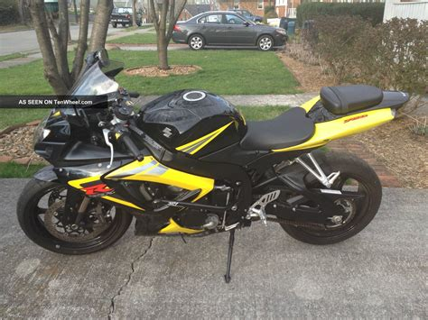 suzuki gsxr  motorcycle black  yellow