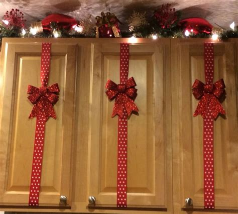 simple christmas decorations  cupboard easyday
