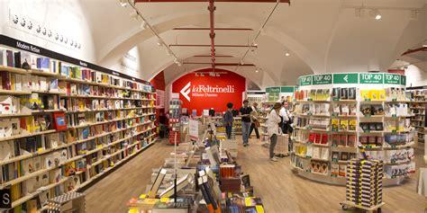 libreria piazza duomo ri fare una libreria la nuova feltrinelli in piazza