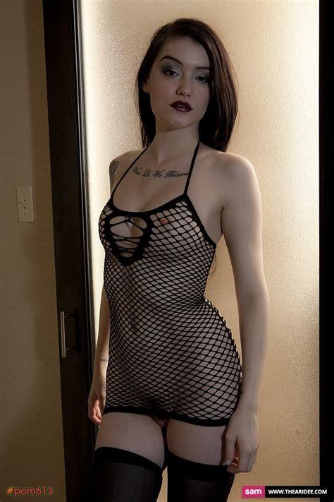 Ari Graynor Naked Hot Girls Wallpaper