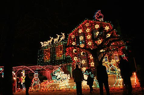 house decorated christmas photo 9419603 fanpop