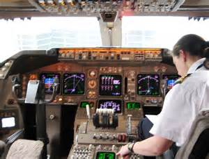 boeing 747 flight deck file klm boeing 747 400 flight deck jpg