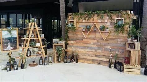 rustic backdrop photobooth   true wedding planner