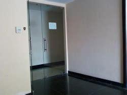 Jasa Pasang Kaca Sunblas Gedung Rumah Kantor Ruko Bandung prisma jaya kaca jasa pemasangan kaca panggilan