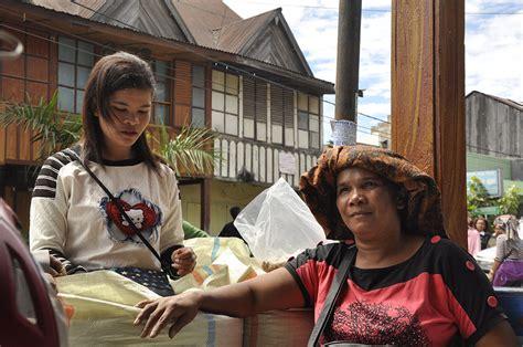 Ibu Menyusui Gang Lapar Wisata Kopi Humbang Hasundutan Rumah Kopi Ranin