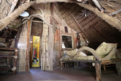 Hutte Africaine Interieur by H 244 Tel Akine Dyioni Lodge