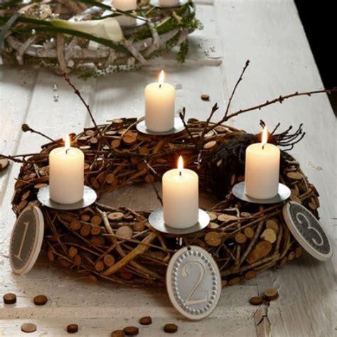 adventskranz holz selber machen naturnahe weihnachtsdeko mit einem adventskranz aus holz