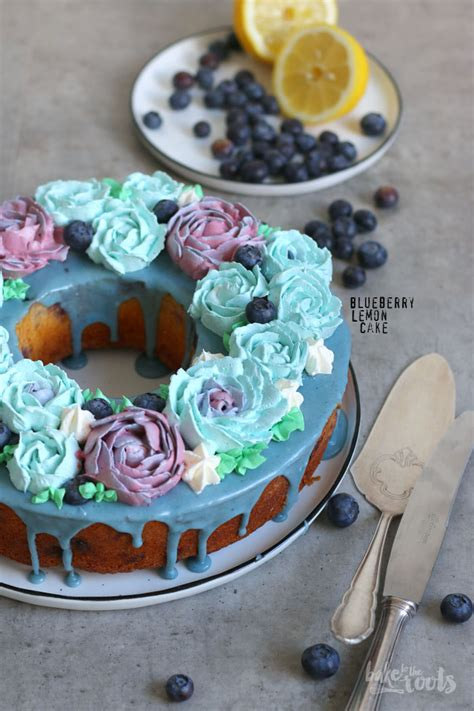 Blueberry Cake Decoration by Blueberry Lemon Cake With Buttercream Flowers Bake To