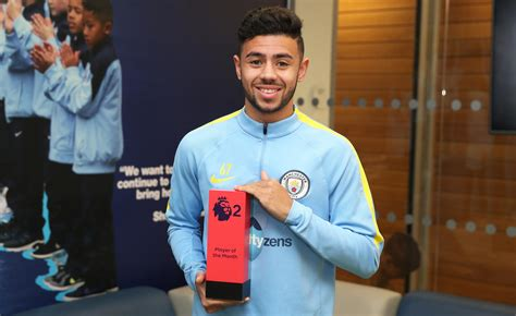 epl player of the year fernandes wins pl2 player of the month award