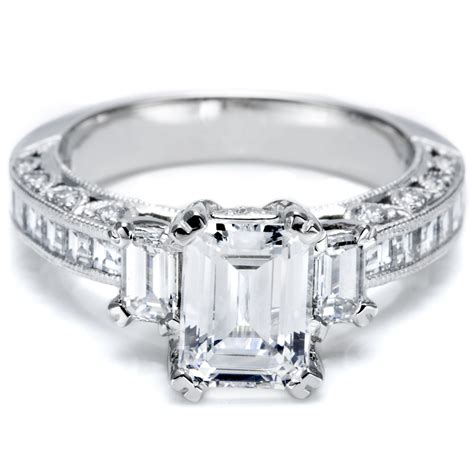 this is my engagement ring except my center is