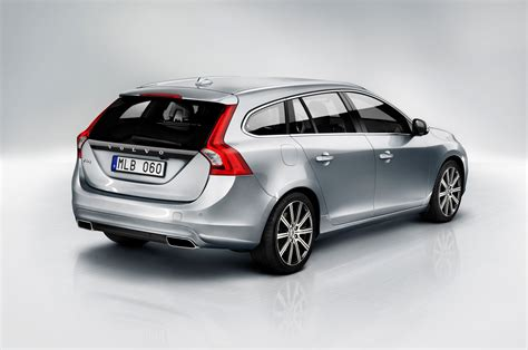 volvo xc60 2015 2015 volvo xc60 t6 s60 t6 v60 d4 first drive motor trend