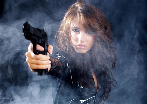 wallpaper girl and gun girls guns full hd wallpaper and background 2586x1831