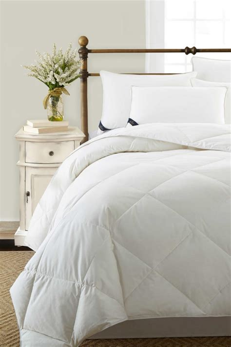 washing comforters how to wash bed comforters in 5 steps overstock com