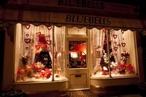 valentines day window displays pramukanews window display images