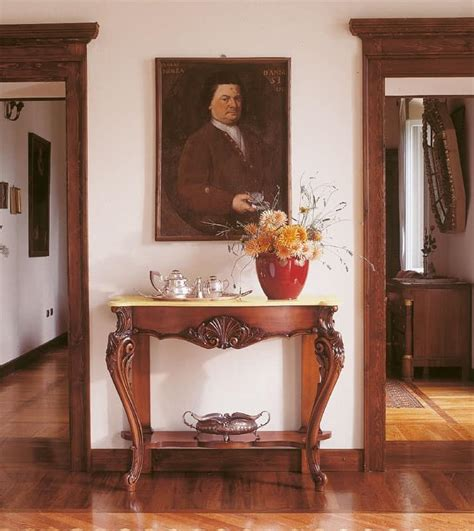 consolle per ingresso classiche consolles classiche in legno intarsiato a mano per