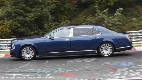 bentley mulsanne extended wheelbase 2016 bentley mulsanne and long wheelbase caught in motion