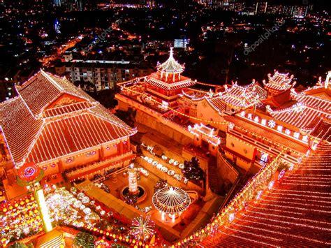 temple bouddhiste sur la c 233 l 233 bration du nouvel an chinois