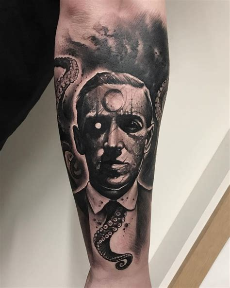 lovecraft tattoo 54 best true crime h p lovecraft poe images on