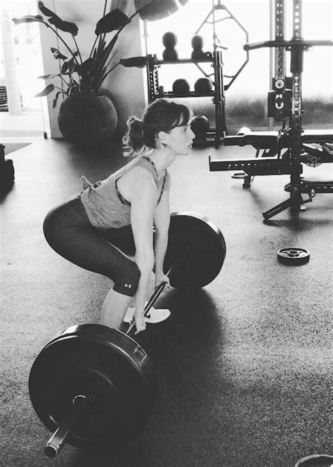 alison brie workout alison brie workout routine for glow healthy celeb