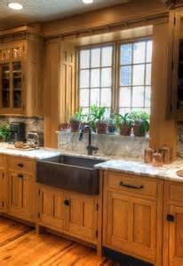 Oak Cabinets 25 Best Ideas About Honey Oak Cabinets On