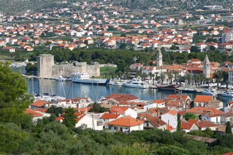 boten online volgen boten verhuur trogir kroatie dalmatie zeilen zeilboot