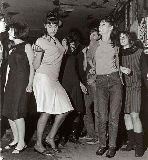 swinging london 1960s beehives in swinging london 1960s sixties pinterest