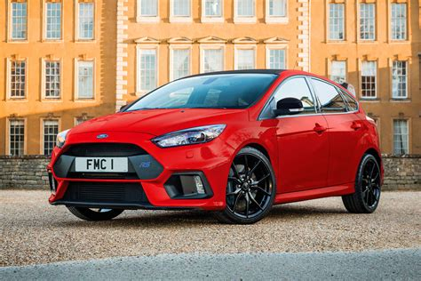 focus rs colors ford focus rs goes festive with new edition auto express