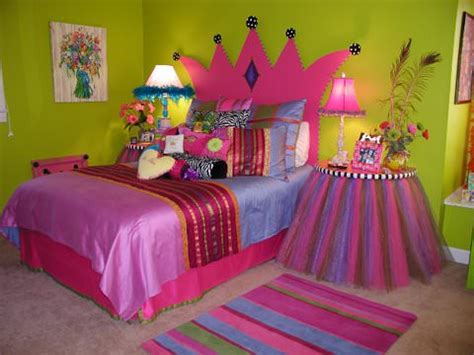 Princess Bedroom Decor by Princess Theme Bedroom The Budget Decorator