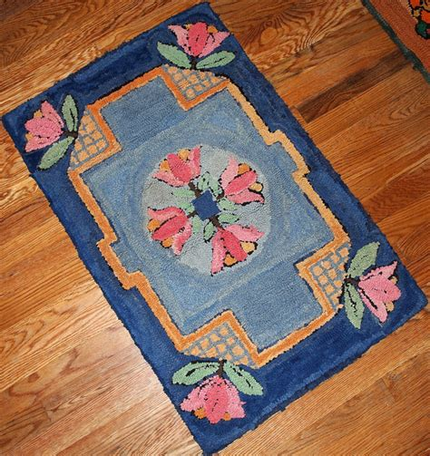 Handmade Hooked Rugs - antique handmade american hooked rug 1940s for sale at pamono