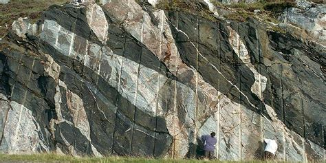 reading the rocks how geologists discovered the secret of books geology west highlands geopark