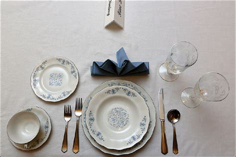 fine dining table set up toledo etiquette expert offers holiday advice toledo blade