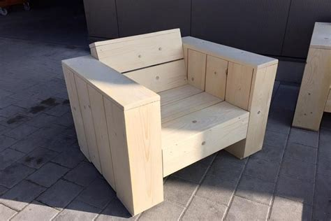 pallet sofa cushion 1000 ideas about pallet couch cushions on pinterest