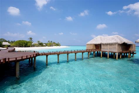 beach house iruveli a serene beach house in maldives architecture
