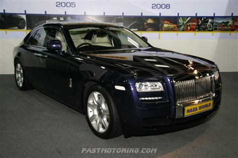 exotic cars lined 100 roll royce kolkata india hotel finder india
