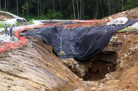 Sink Holes Usa by Amazing Sinkhole Compilation Across The Usa Indiana