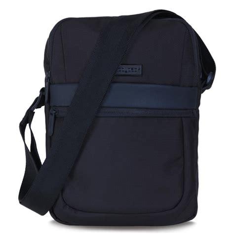 Tas Selempang Pria Bodypack Outdoor Trendy Sling Bag Abrm 011 jual bodypack nepholisted tas selempang black