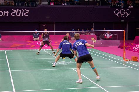 file badminton at the 2012 summer olympics 9415 jpg wikimedia commons