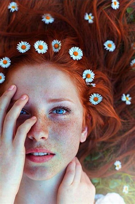 beautiful girls  freckles barnorama