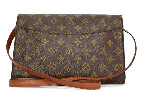 louis vuitton vintage  monogram canvas clutch bag ghw