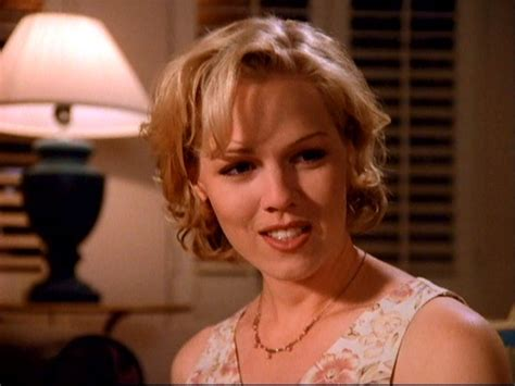 kelly 90210 hairstyles jennie garth short hairstyles on 90210 image short