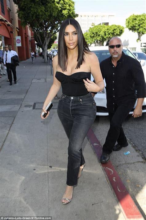kim kardashian shows off new shorter hair daily mail online